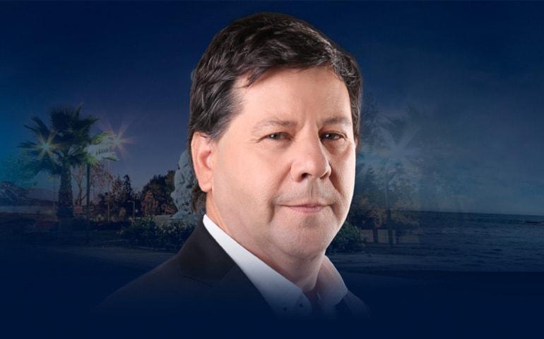 Juan Castro es el primer candidato a senador en transparentar su candidatura